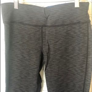 Calvin Klein Capri Workout Leggings